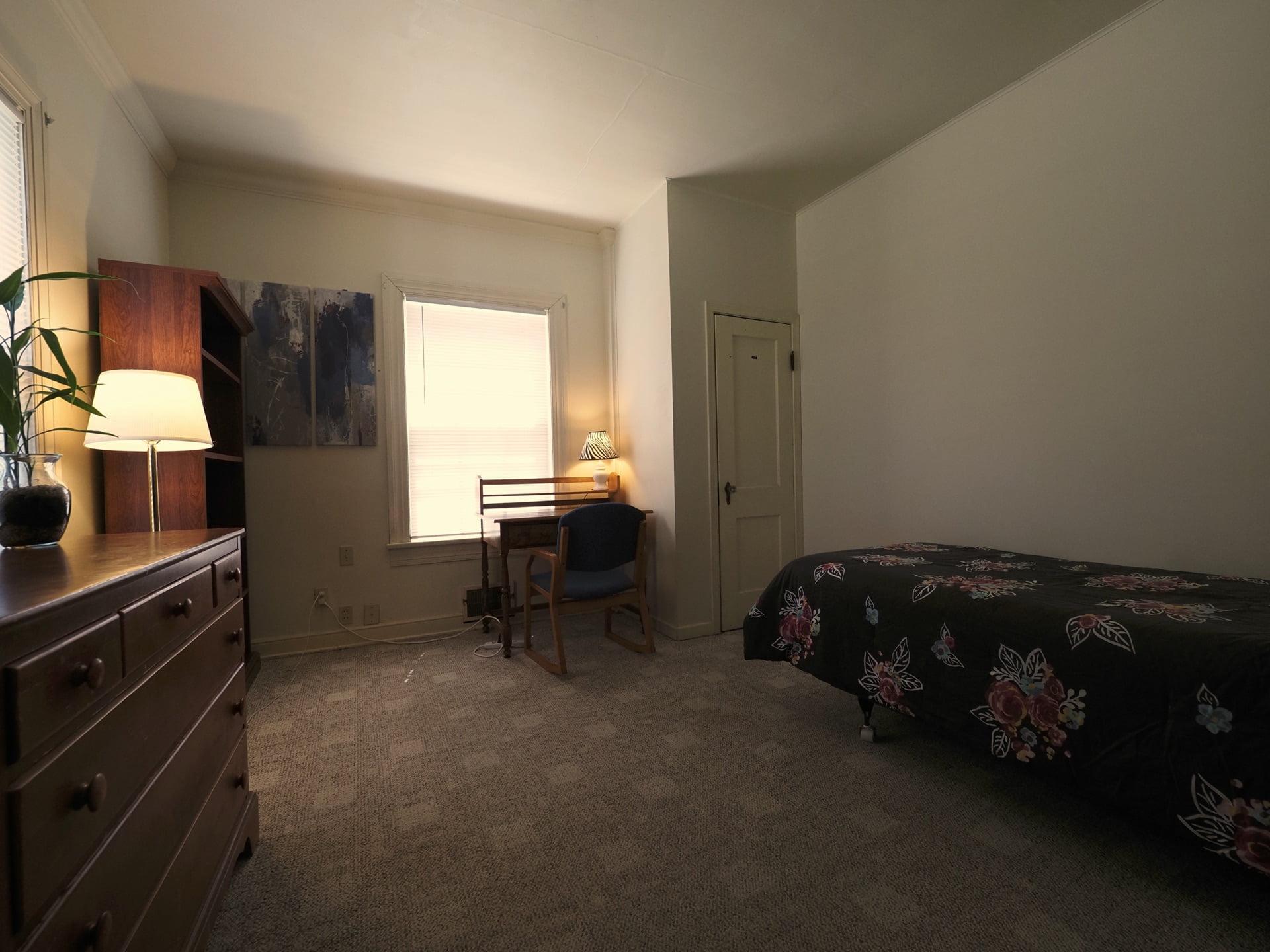 326 Room 11-1