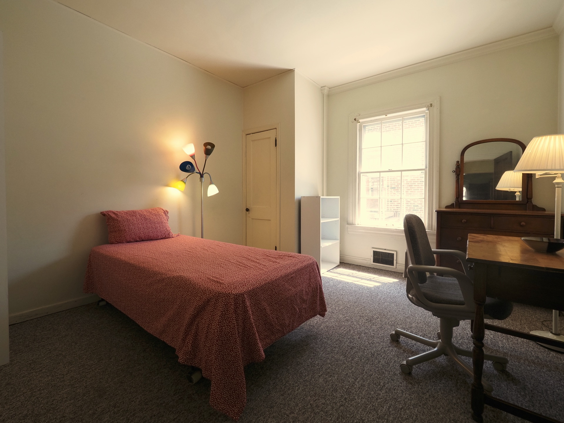326 Room 12