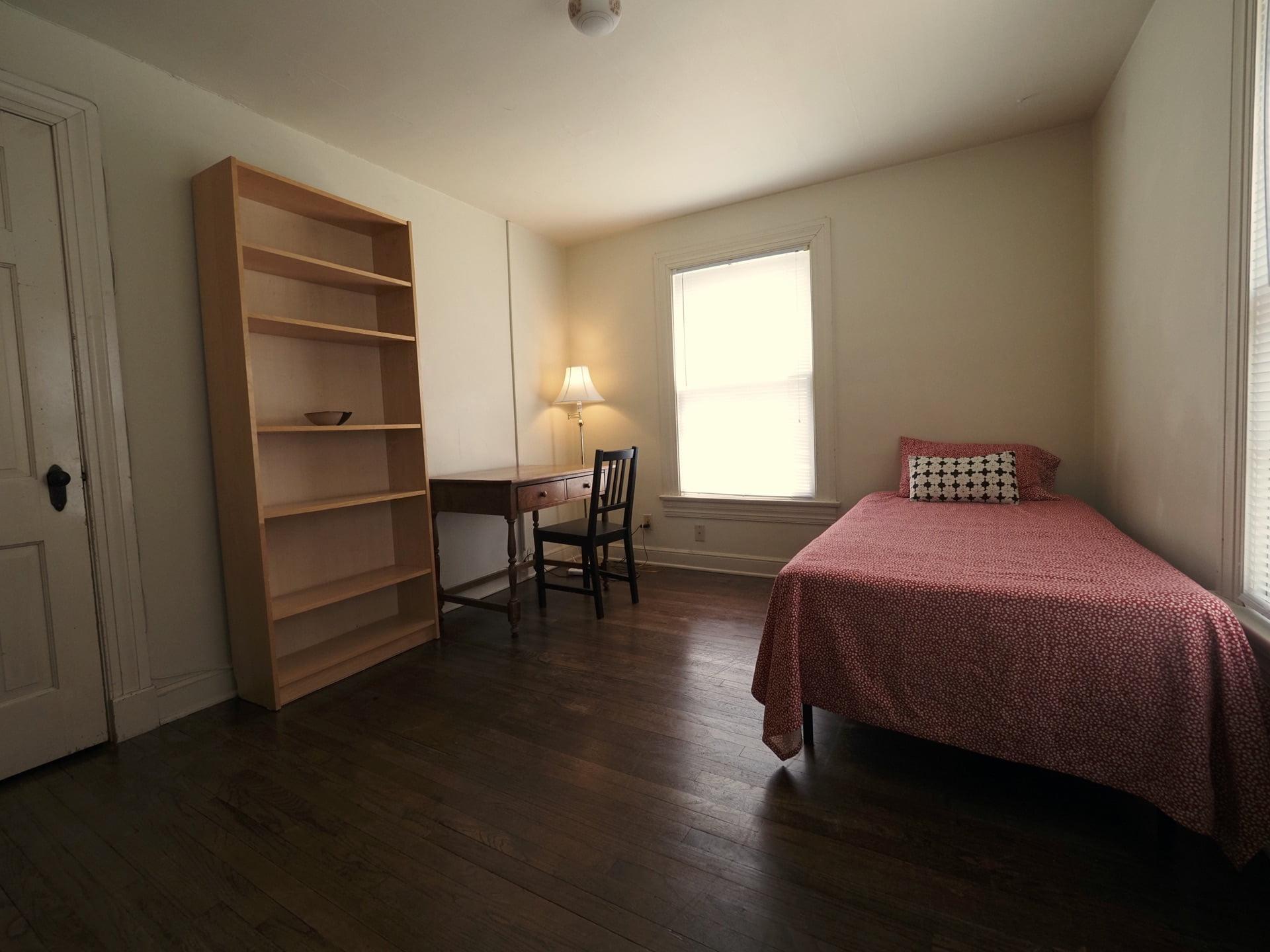 326 Room 21