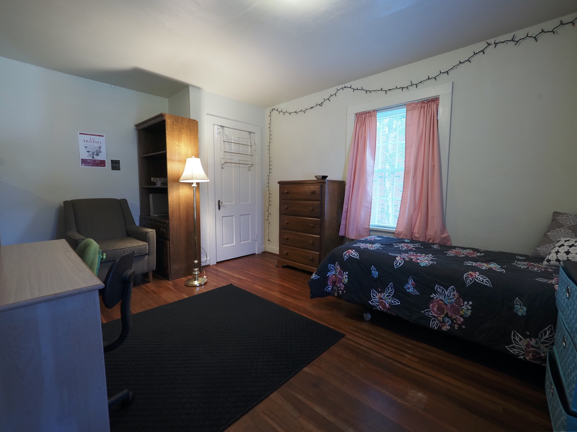 333 Room 11-1