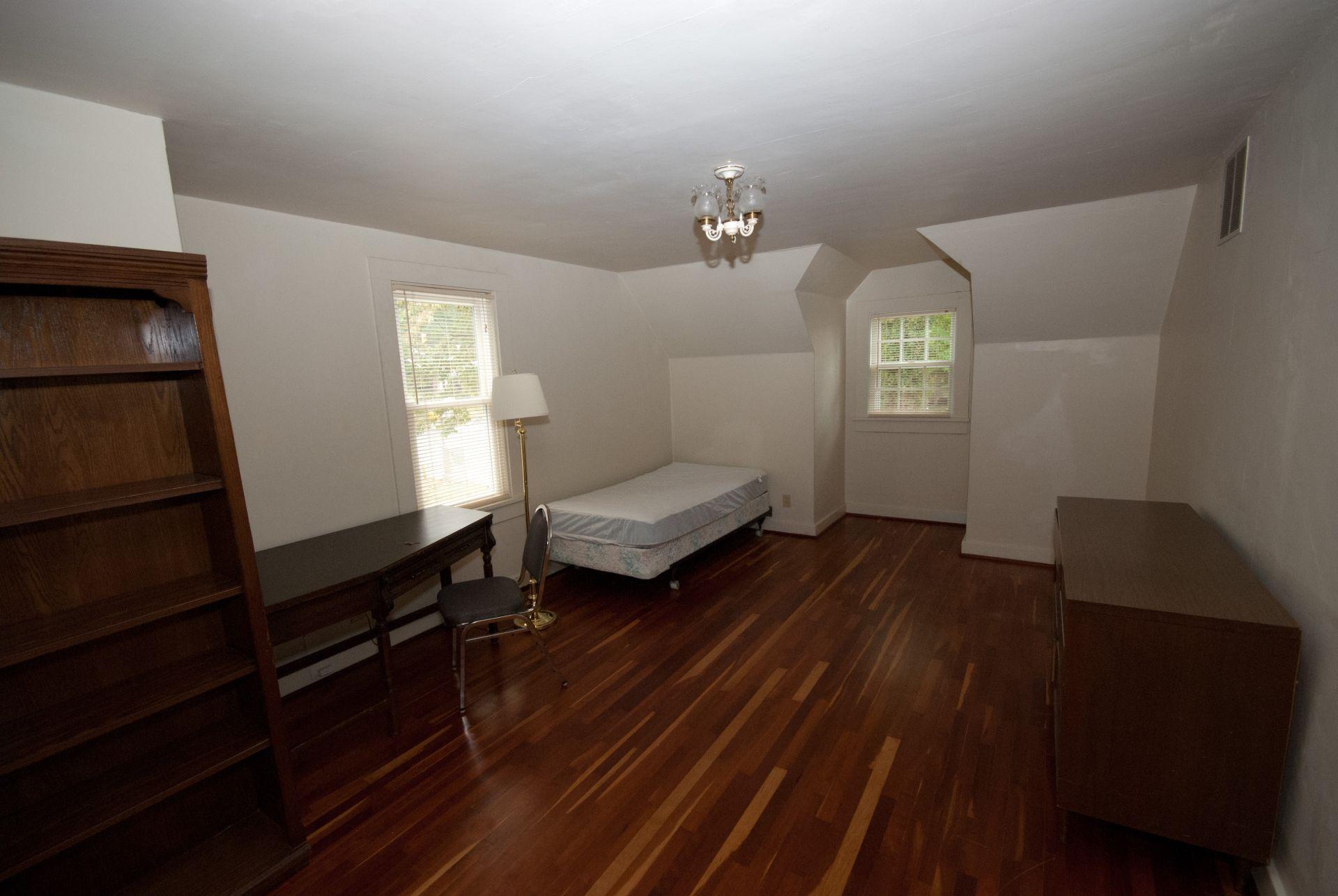 333 Room 21-1